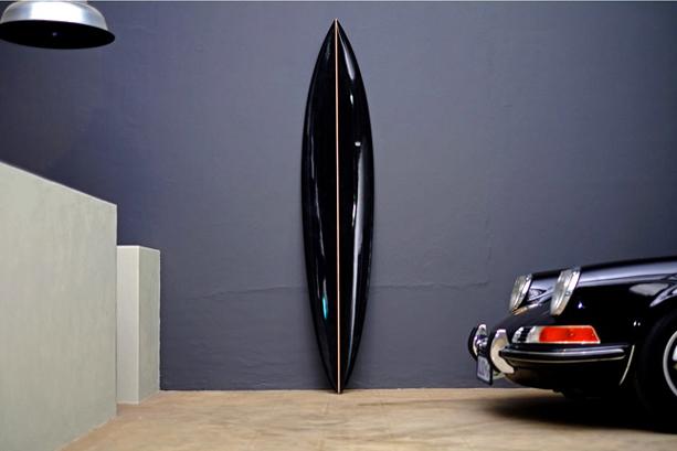 Dutchmann_new_black_surfboard_2
