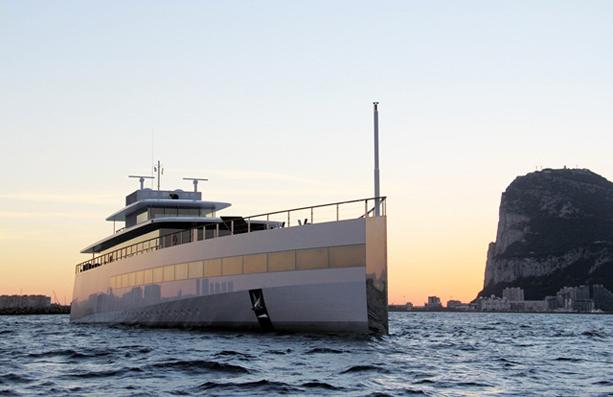 Steve-Jobs-Venus-Yacht-3