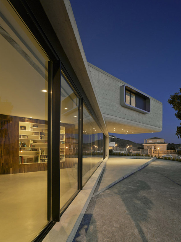 crossed-house-clavel-arquitectos_03_casa_cruzada_5
