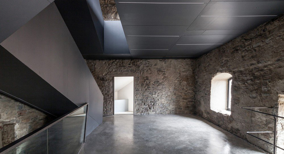 Gianluca Gelmini renovates medieval Torre del Borgo