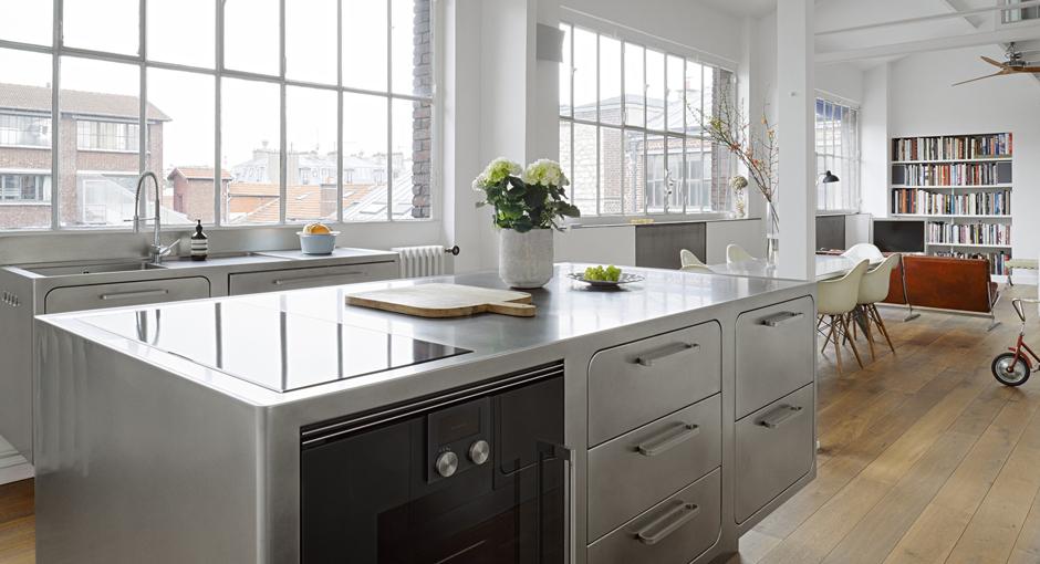 Stainless Steel Kitchen by Alberto Torsello