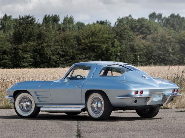 Chevrolet-Corvette-Stingray-02