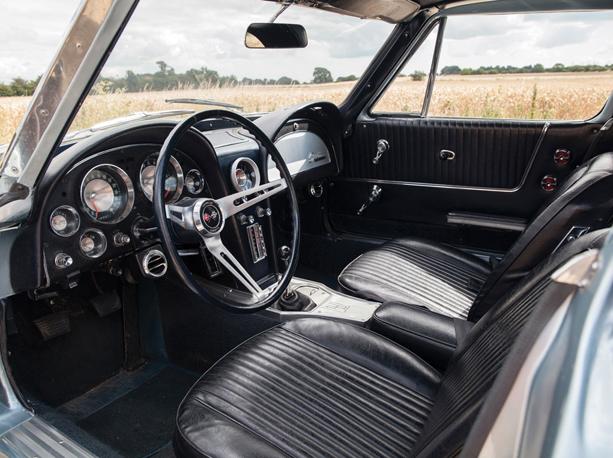 Chevrolet-Corvette-Stingray-03