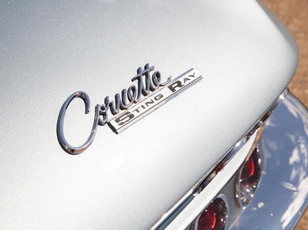 Chevrolet-Corvette-Stingray-04