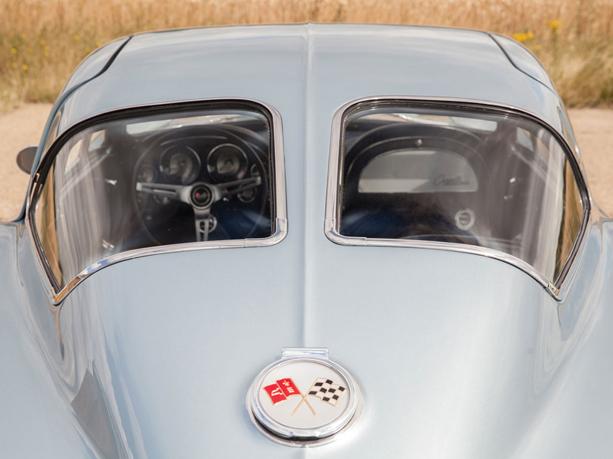 Chevrolet-Corvette-Stingray-05