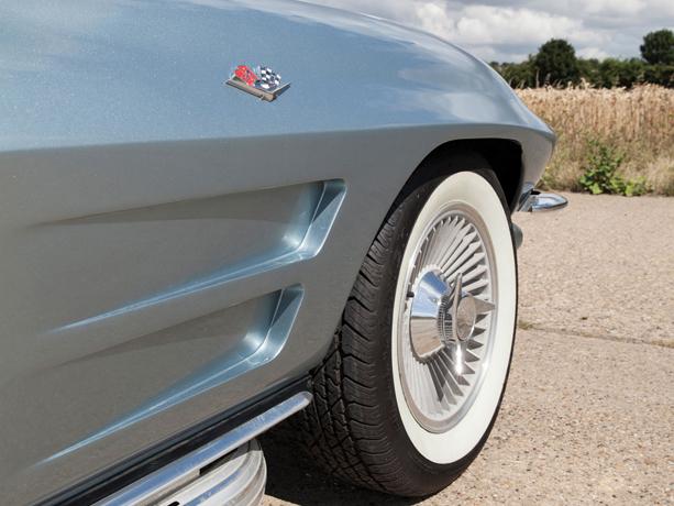Chevrolet-Corvette-Stingray-06