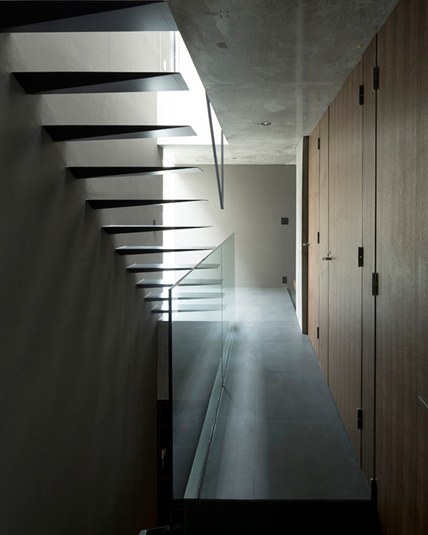 apollo-architects-grigio-house-japan-designboom-04