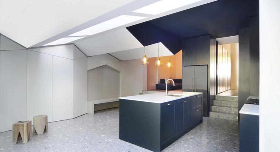 bureau de change fold house opumo. Black Bedroom Furniture Sets. Home Design Ideas