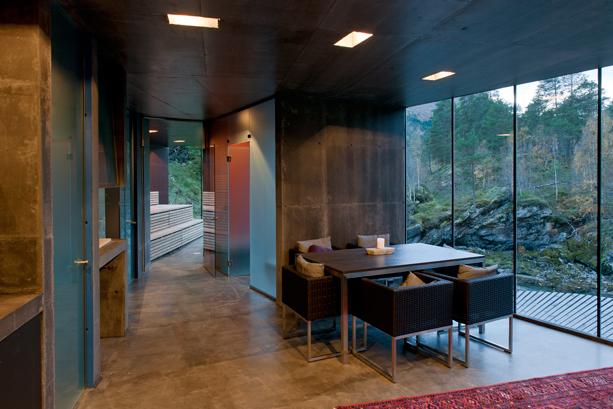 The-Juvet-Landscape-Hotel-6