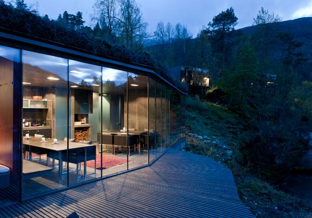 The-Juvet-Landscape-Hotel-7