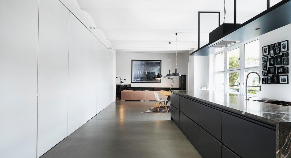 Photographer's Loft by Bruzkus Batek Architekten