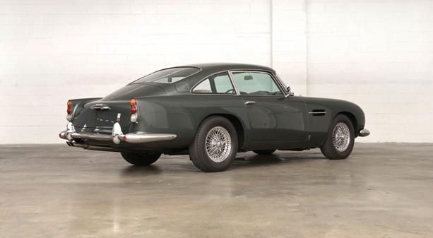 Aston-Martin-DB5-5