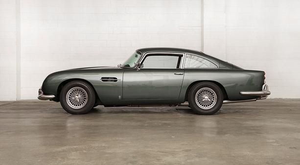 Aston-Martin-DB5-8