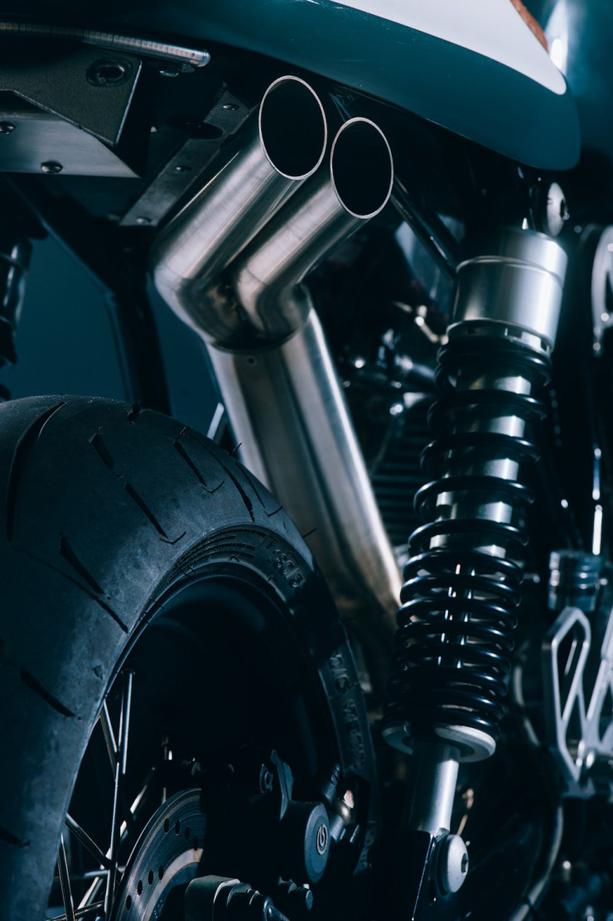Ducati-GT1000-3