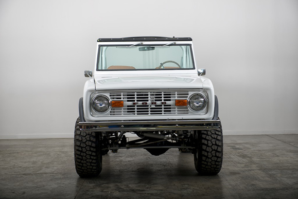 FORD-BRONCO-4