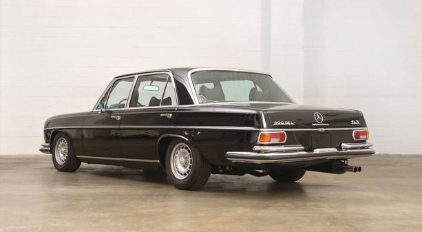 Mercedes-Benz-300-SEL-6.3-5