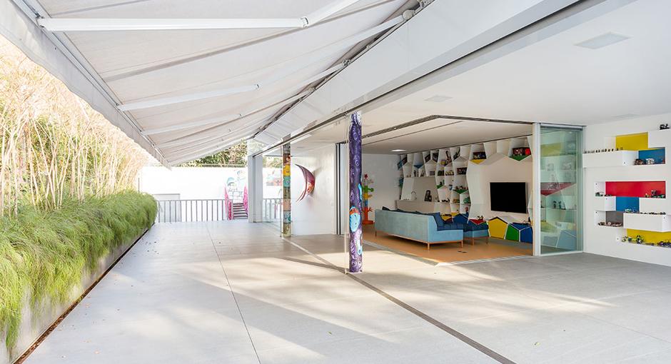 Toy House MM01 by Pascali Semerdjian Arquitetos