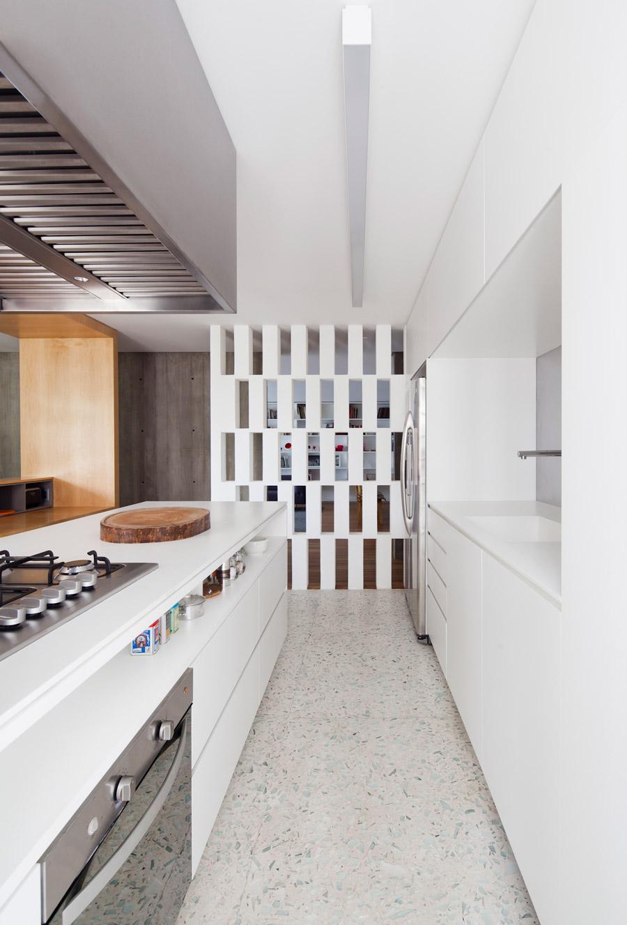 OPUMO-Couto-Arquitetura-Rebuild-An-Icon-To-Create-The-Gravata-Apartment-1