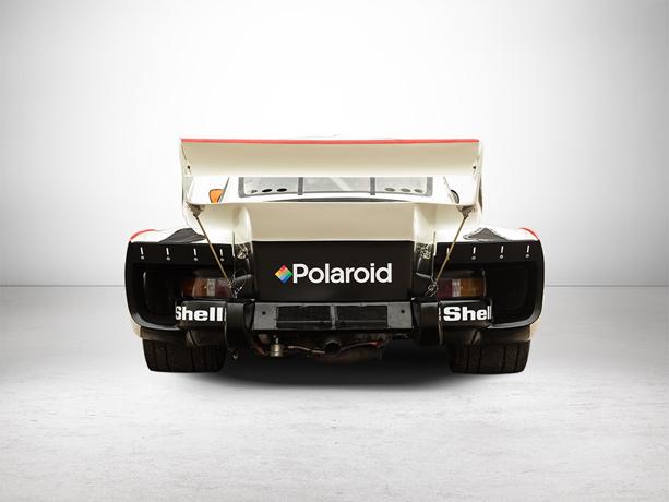 Porsche-930-Turbo-with-Transporter-2