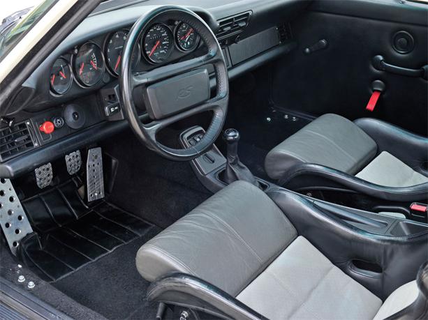 Porsche-911-RS-L-4