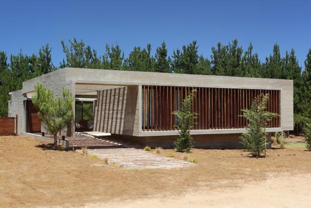 SS-House-Besonias-Almeida-Arquitectos-2