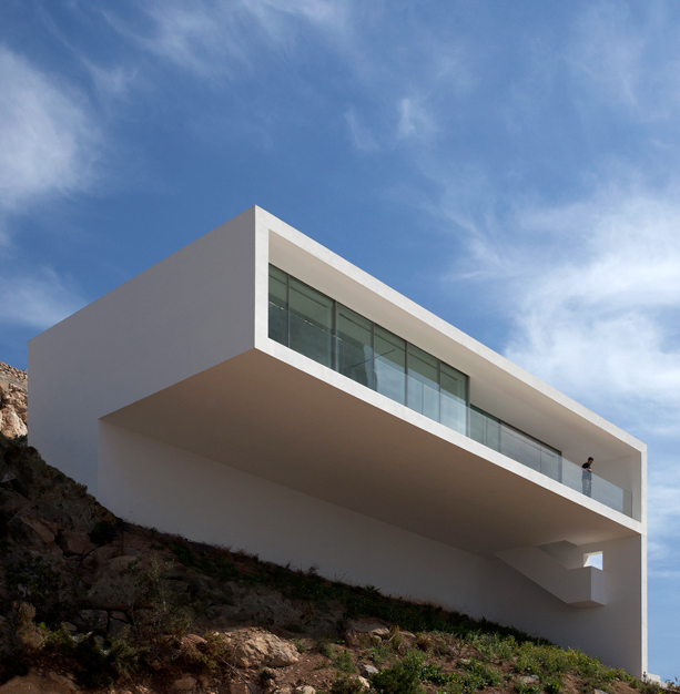 House on the cliff by fran silvestre arquitectos opumo for Fran silvestre house on the cliff