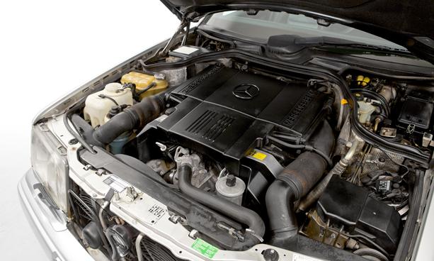 Mercedes-E500-Limited-porsche-2