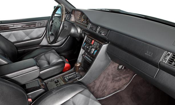 Mercedes-E500-Limited-porsche-3