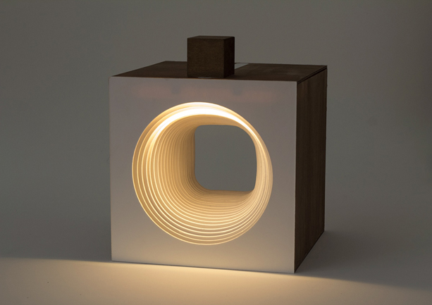 Panta-Rei-Light-Cube-hand-1