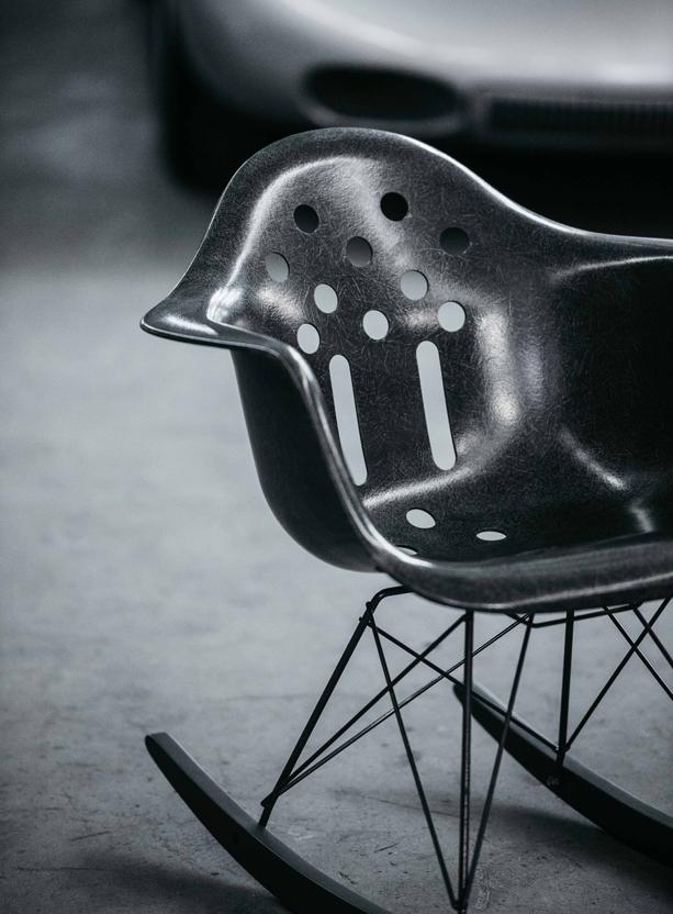 LUFTGEKuHLT-MODERNICA-deus-ex-machina-chair-6