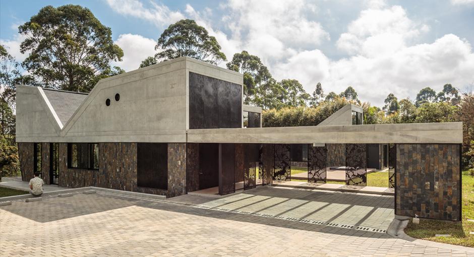 Casa en llanogrande by plan b arquitectos opumo - Casas de arquitectos ...