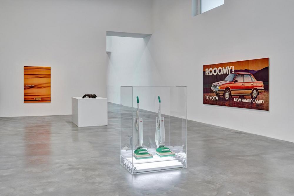 jeff-koons-now-damien-hirst-newport-street-gallery-01