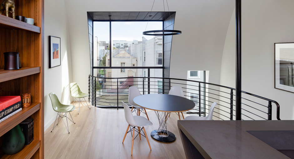 Black Mass: Linden Street by Stephen Phillips Architects