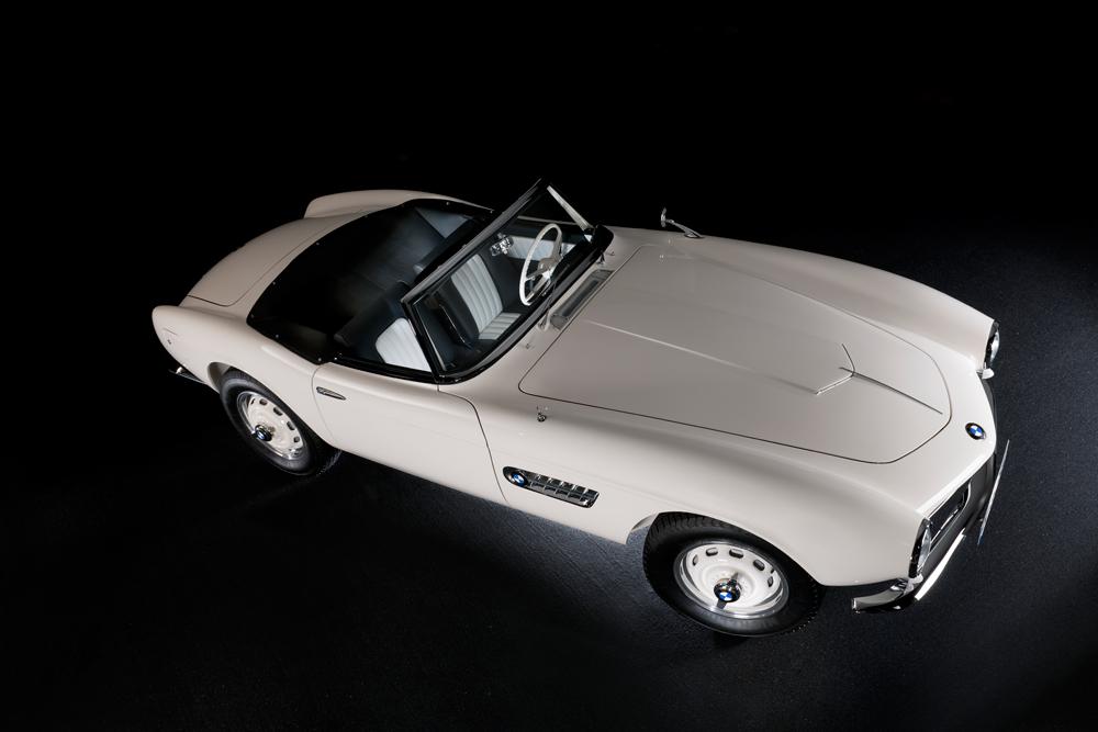 Elvis-BMW-507-Roadster-2