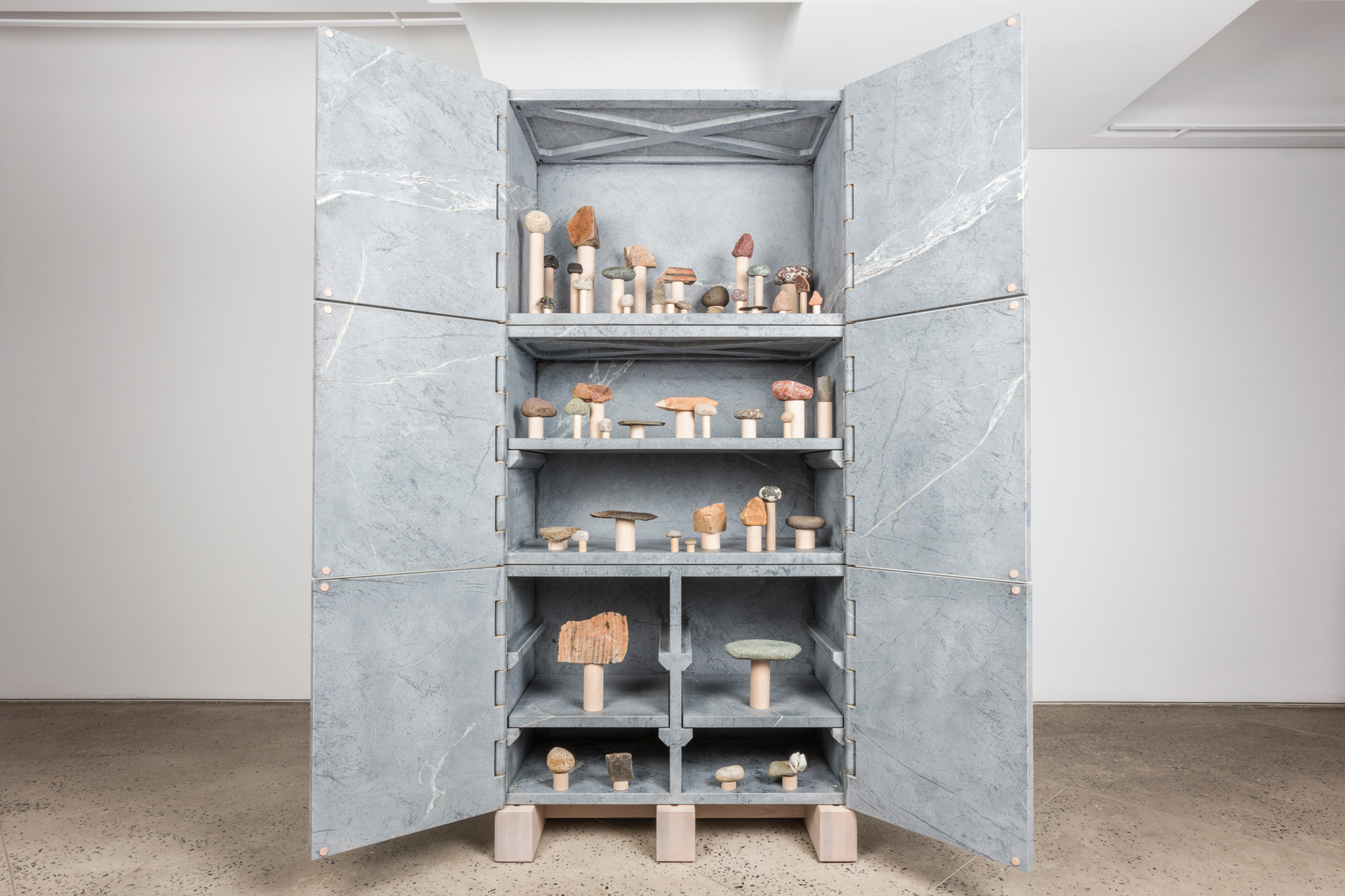 fort-standard-relief-stone-cabinet-1