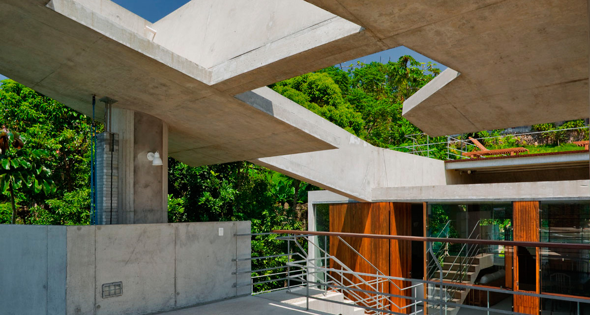 The Perfect Seaside Escape; The Ubatuba House by SPBR Arquitetos