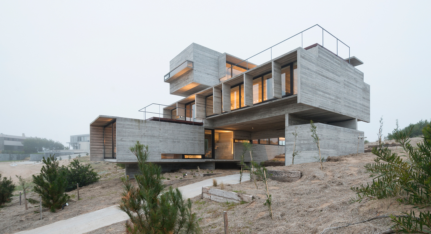Concrete House by Luciano Kruk