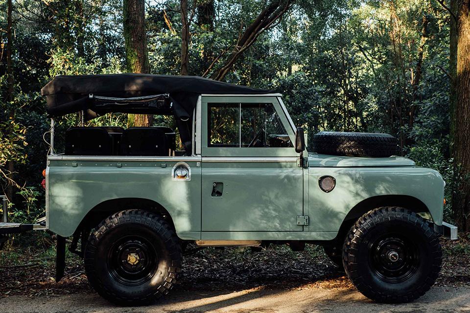 Opumo-Land-Rover1