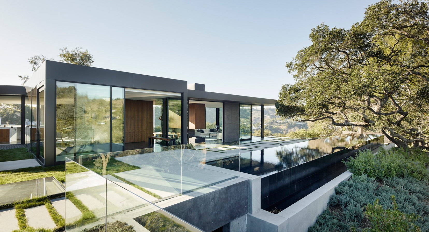 Into the Woods: Oak Pass Main House by Walker Workshop