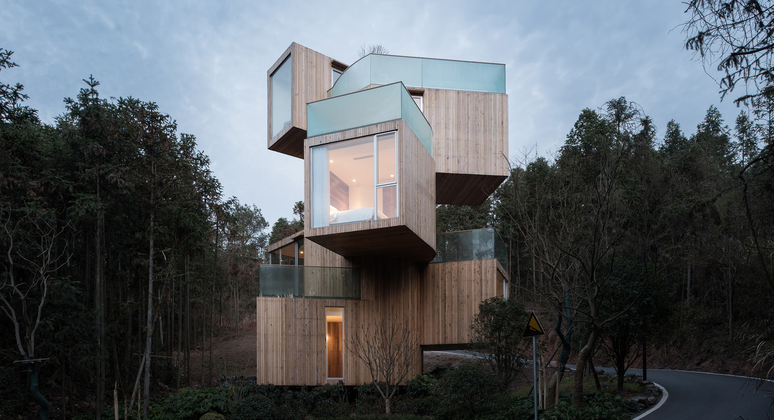 Take a Look Inside Bengo Studio's Towering Tree House