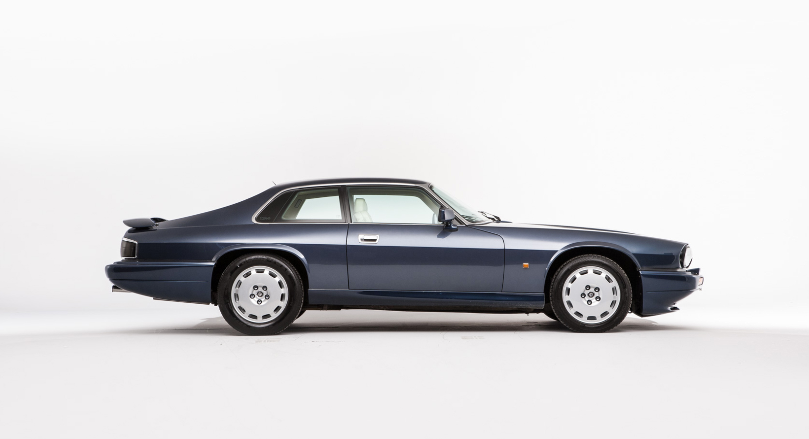 Take A Look At This Pristine Jaguar Xjr S Opumo Magazine