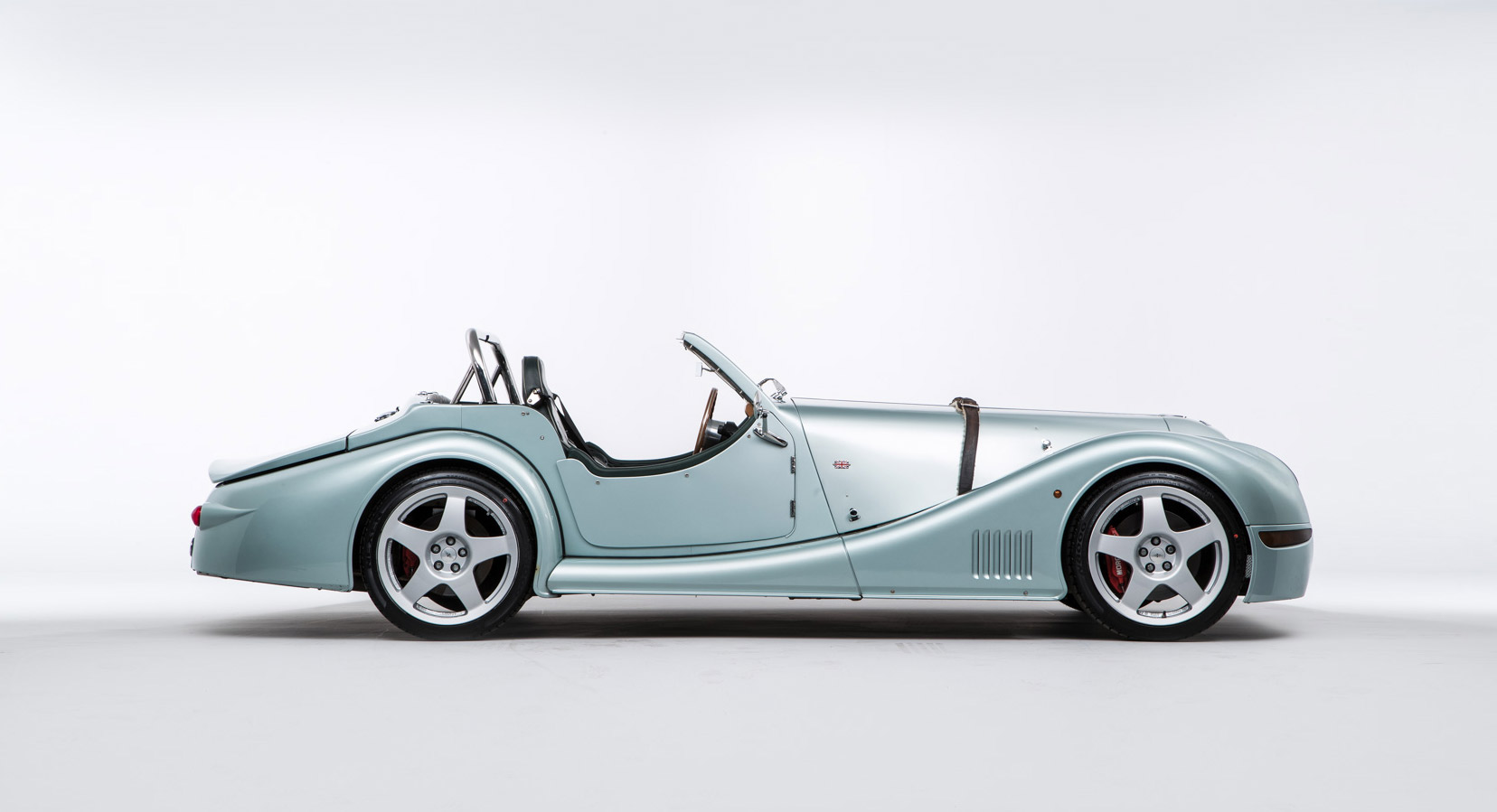 is the morgan aero 8 the most underrated british sports. Black Bedroom Furniture Sets. Home Design Ideas
