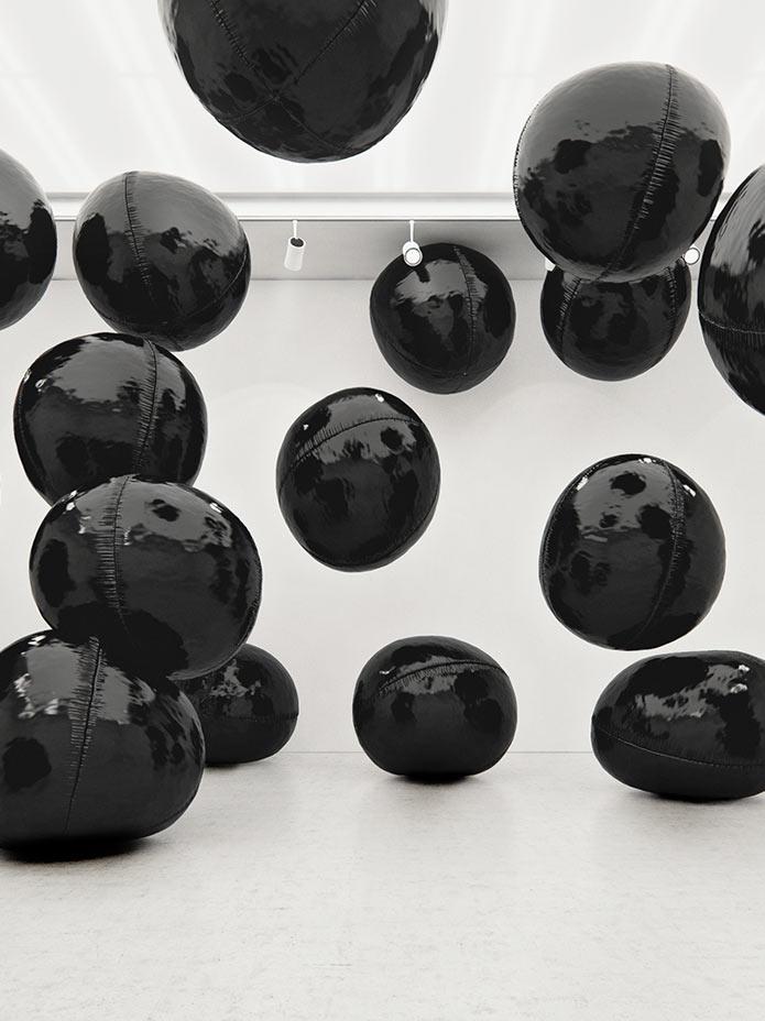 Tadao-Cern-Black-Baloons-II-3