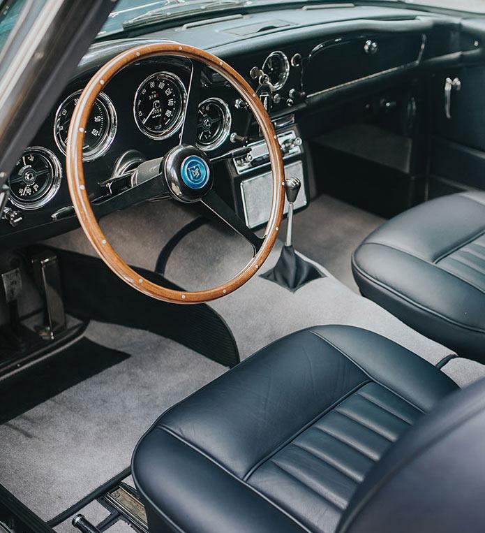 Aston-Martin-DB4-Series-II-5