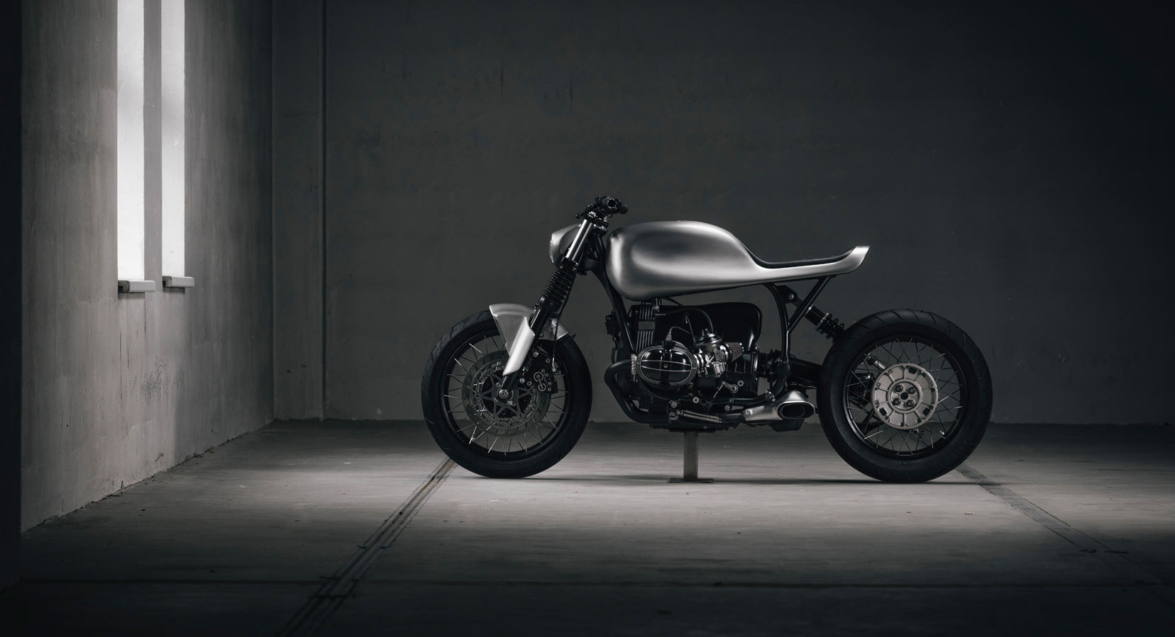 Vagabund Moto Gives The BMW R100R An Ultra-Sleek Update