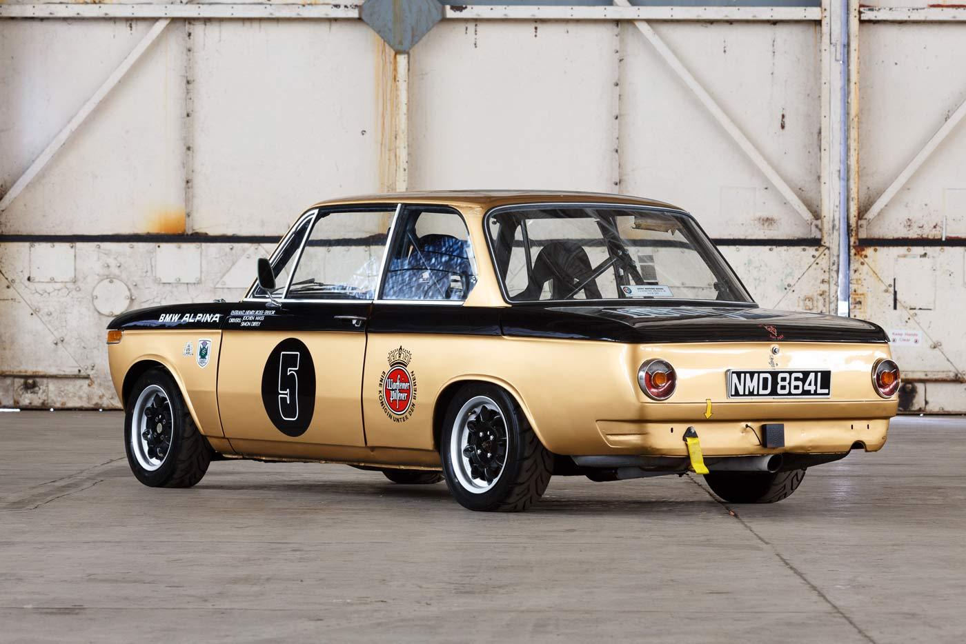 BMW-2002-Race-car-2