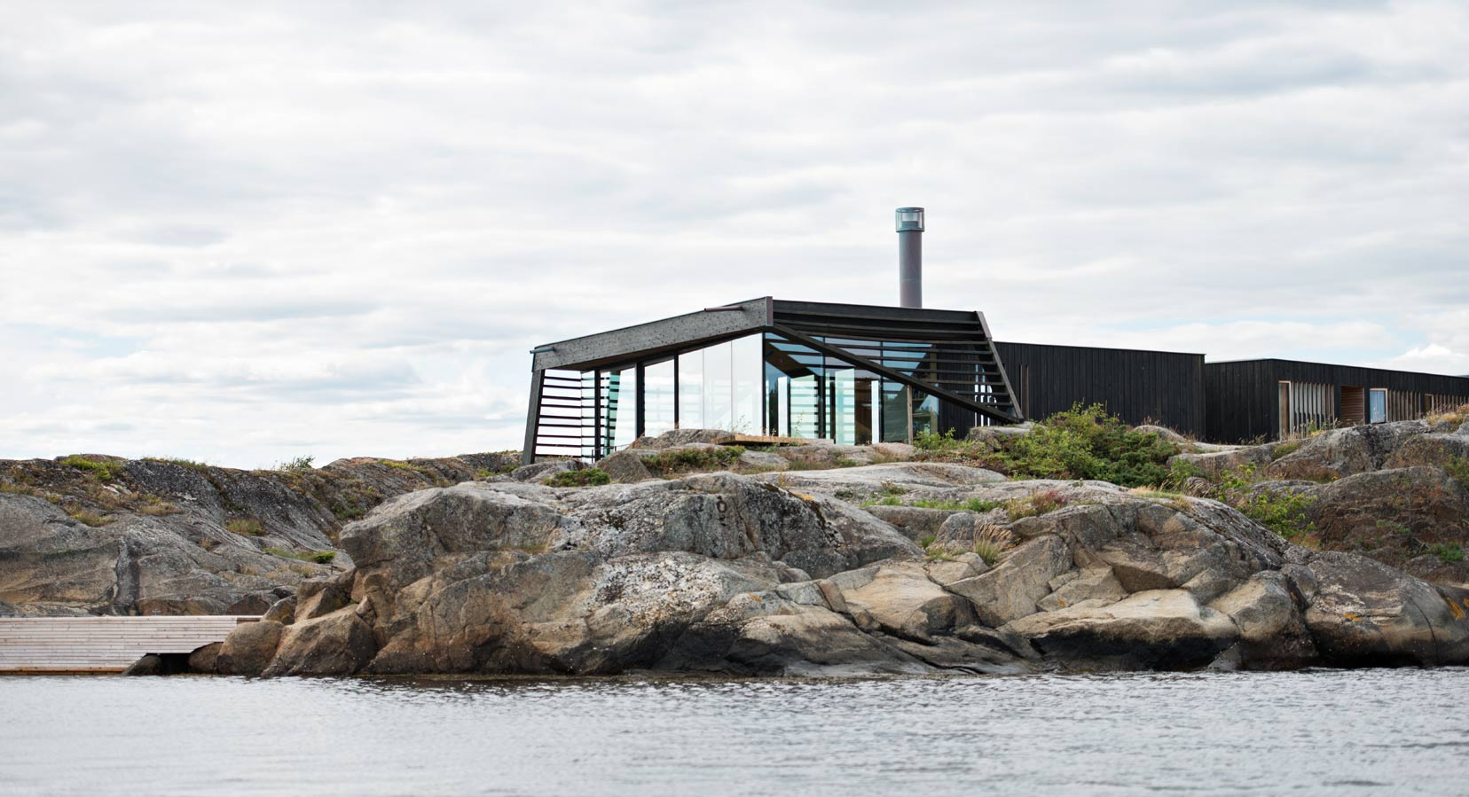 Poetic and Practical: The Lille Arøya Cabin By Lund Hagem