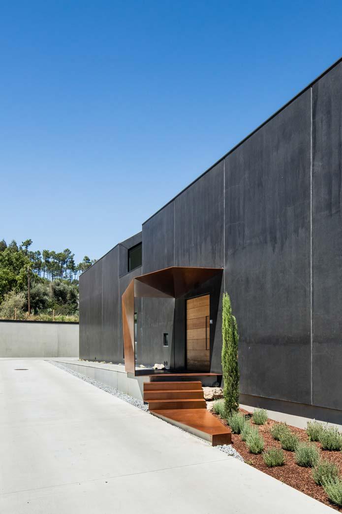 JM_House_Ourem-Filipe-Saraiva-Arquitectos-4