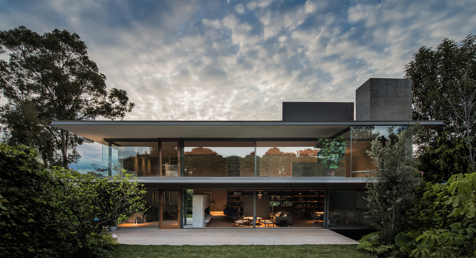 Casa Ramos By JJRR Architecture Takes Inspiration From The Case Study House Of The 1940s