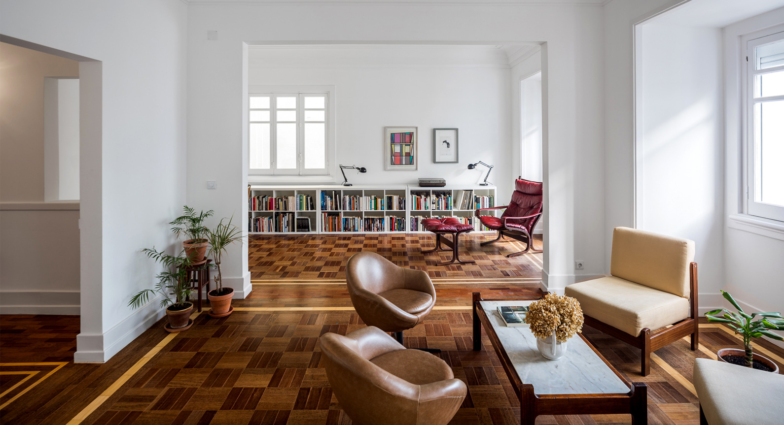 How The Discovery Of Existing Hardwood Parquet Flooring Transformed This Lisbon Apartment